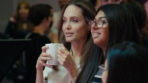 Η Angelina Jolie συνεργάζεται με τη Microsoft Education και τοBBC