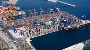 Υπ. Ναυτιλίας: Σημαντική η επένδυση της Cosco στο λιμάνι του Πειραιά