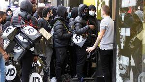 """Βρετανία: """"Άγρια Τετάρτη"""" μετά τη χαλάρωση των μέτρων"""