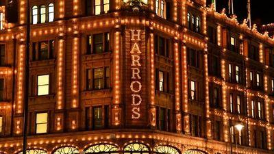 Λονδίνο: Ακραίος συνωστισμός και εικόνες χάους έξω από το Harrods