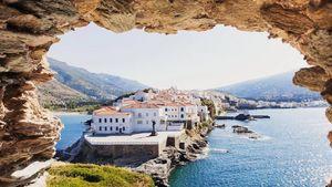 Guardian: Δέκα ελληνικοί προορισμοί για διακοπές μετά την πανδημία