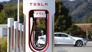 Η Tesla τοποθέτησε τους πρώτους superchargers της στην Ελλάδα