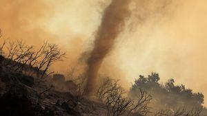 Ζημιές 210 δισ. δολαρίων προκάλεσαν οι φυσικές καταστροφές το 2020