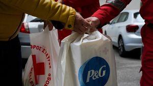 H P&G μαζί με τον Ελληνικό Ερυθρό Σταυρό στο πλευρό των άστεγων συνανθρώπων μας