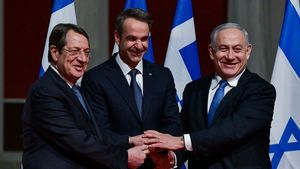 Guardian: Η συμφωνία Ελλάδας-Κύπρου-Ισραήλ δείχνει το δρόμο στον τουρισμό
