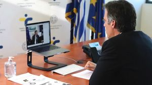 Τηλεδιάσκεψη Σχοινά με τον πρόεδρο του ΕΟΔΥ