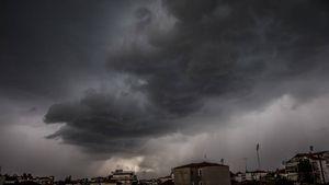 Έκτακτο δελτίο ΕΜΥ: Κακοκαιρία με χαλάζι, καταιγίδες και θυελλώδεις ανέμους
