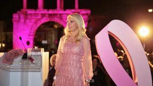 Estee Lauder: Έστειλε μήνυμα για τον καρκίνο του μαστού
