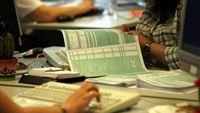 ΑΑΔΕ: Σύντομα τέλος στο χαρτόσημο-Ποιος φόρος θα το αντικαταστήσει;