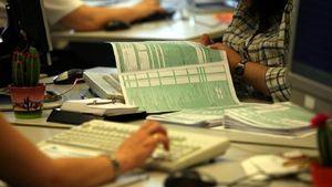 Φορολογικές δηλώσεις: 36 ημέρες προθεσμία για την υποβολή τους - Τι πρέπει να προσέξετε