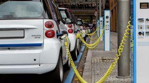 Σπίρτζης-Σταθάκης: Μπήκαν οι υπογραφές για την ηλεκτροκίνηση οχημάτων
