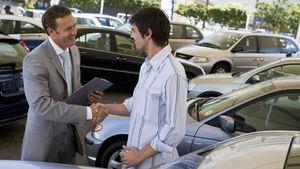 """""""Κοψοχρονιά"""" πούλησαν τα ακριβά τους αυτοκίνητα οι Έλληνες-Καθίζηση στην αγορά"""