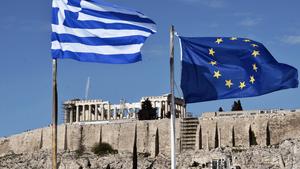 Γερμανικό ΥΠΟΙΚ: Πριν τη λήξη του προγράμματος στήριξης, η απόφαση για το ελληνικό χρέος