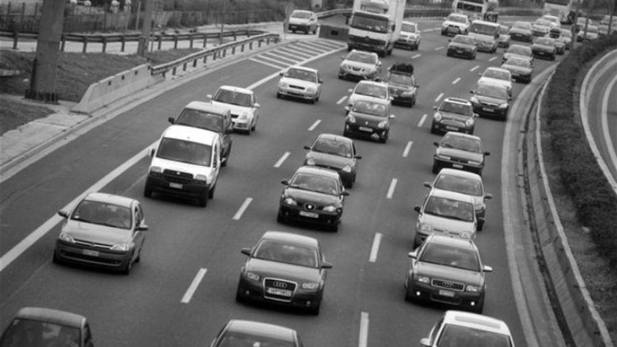 Αυξηση 33,1% στις άδειες κυκλοφορίας οχημάτων το Φεβρουάριο