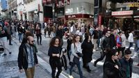 Eurostat: Οι Έλληνες ξοδεύουν 18 λεπτά ημερησίως σε αγορές