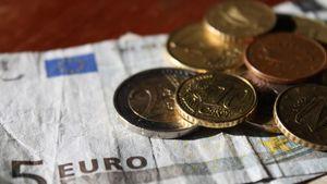 3,697 δισ. ευρώ το έλλειμμα του 2014