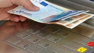 Έρχονται χρεώσεις στη χρήση των ΑΤΜs των τραπεζών