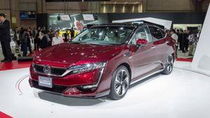 Honda: Παρουσίασε το Clarity Fuel Cell στο Τόκυο