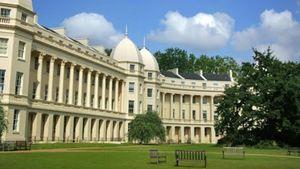 """Το top 10 των καλύτερων Βρετανικών Business Schools με ένα """"κλικ"""""""