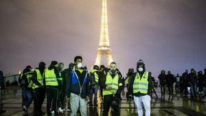 """Γαλλία: Ξανά στους δρόμους τα """"κίτρινα γιλέκα"""""""