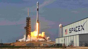 Η SpaceX έκλεισε τον πρώτο επιβάτη της για το διάστημα