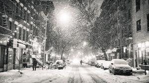 Νέα Υόρκη: Ισχυρή χιονοθύελλα πλήττει την Ανατολική Ακτή