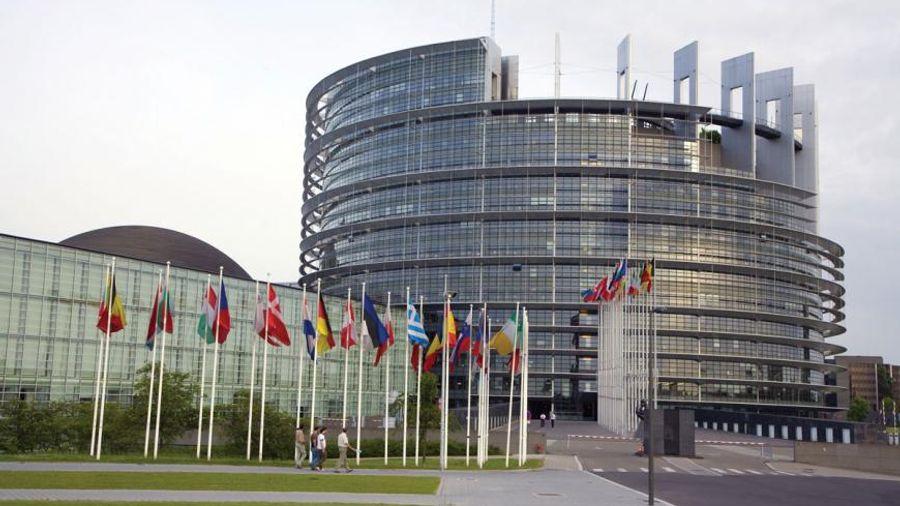 Φόρος τιμής από το ΕΚ