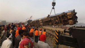 Ινδία: Πάνω από 130 οι νεκροί από το σιδηροδρομικό δυστύχημα