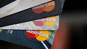 Το ανώτατο όριο προμήθειας απειλεί τις ηλεκτρονικές πληρωμές
