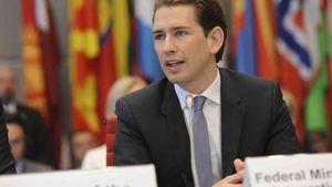 Αυστρία: O Κουρτς κλείνει τεμένη και απελαύνει ιμάμηδες