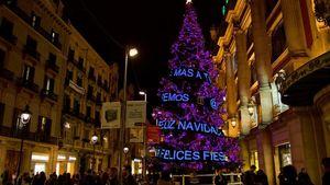 TOUS: Διαδραστικό χριστουγεννιάτικο δέντρο