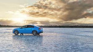 Volvo: Εξαγοράζει την Polestar