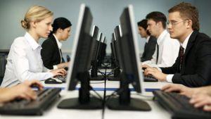 ΕΛΣΤΑΤ: Στο 88,35% η χρήση Η/Υ στις ελληνικές επιχειρήσεις