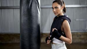 Reebok: Η Gal Gadot φοράει τα νέα training outfits