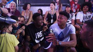 Nike: Ο Γιάννης Αντετοκούνμπο γιόρτασε την απόκτηση του δικού του παπουτσιού