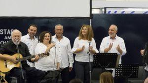Η Pfizer Hellas Band και ο Διονύσης Σαββόπουλος τραγούδησαν μαζί για το κοινό της ΔΕΘ