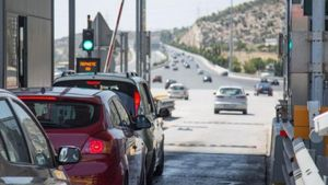 Σπίρτζης: Θα υπάρχει χρέωση αλλά όχι νέα διόδια σε Βαρυμπόμπη και Άγιο Στέφανο