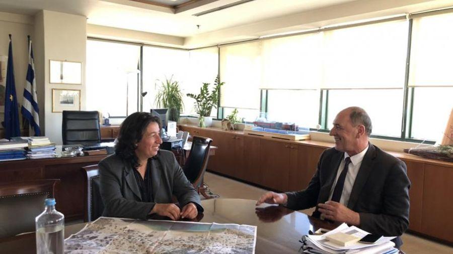 Συνάντηση ΥΠΕΝ Γ. Σταθάκη με τη Δήμαρχο Γαύδου-Τι συζήτησαν