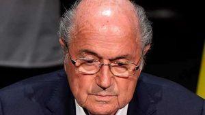 FIFA: Αιφνίδια παραίτηση Μπλάτερ