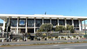 Αμερικάνικη πρεσβεία: «Βρείτε τα με ΕΕ και ΔΝΤ»