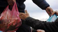 Από σήμερα οι αιτήσεις για παροχές του νομοσχεδίου για την ανθρωπιστική κρίση