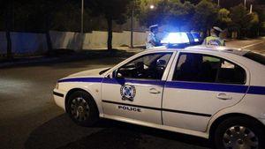 Πειραιάς: Επίθεση σε περιπολικό της αστυνομίας - Τραυματίστηκε ελαφρά ένας αστυνομικός