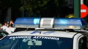 Σύλληψη εφοπλιστή μετά από συμπλοκή με αστυνομικούς