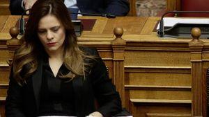 """Αχτσιόγλου: """"Το πρόγραμμα της ΝΔ οδηγεί την χώρα σε χρεωκοπία"""""""