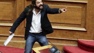 «Η Μακεδονία είναι ελληνική» φώναξε ο Μπαρμπαρούσης βγαίνοντας απο την ΓΑΔΑ