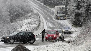 Οι χιονοπτώσεις έχουν προκαλέσει προβλήματα στο οδικό δίκτυο της Πελοποννήσου