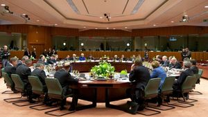 Συνάντηση με τους θεσμούς ενόψει Eurogroup