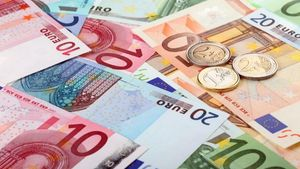 Η Ελλάδα μεταξύ των χωρών της Ευρωζώνης με τη μεγαλύτερη χρήση μετρητών το 2016