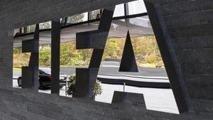 FIFA: Εγγυηθείτε πως θα σταματήσει η βία στα γήπεδα για να αποφευχθεί το Grexit