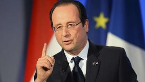 François Hollande: Πρέπει να βρεθεί λύση για την Ελλάδα